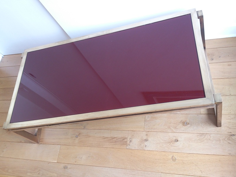Sublime Jansen coffee table in massive brass and red glass top